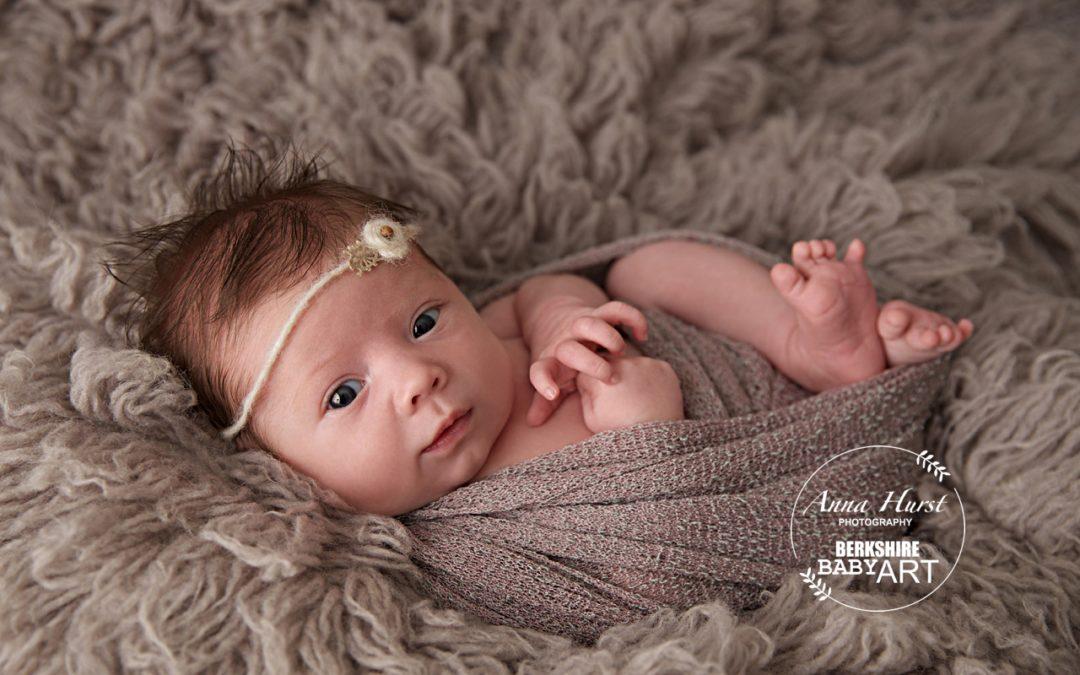Bracknell newborn photographer roxana 3 weeks old